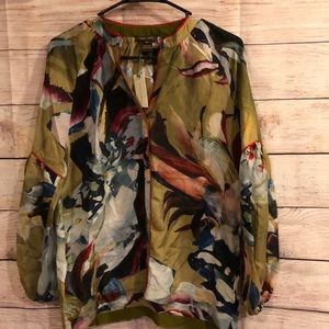 NWT Beautiful Vineey Bahl silk floral blouse